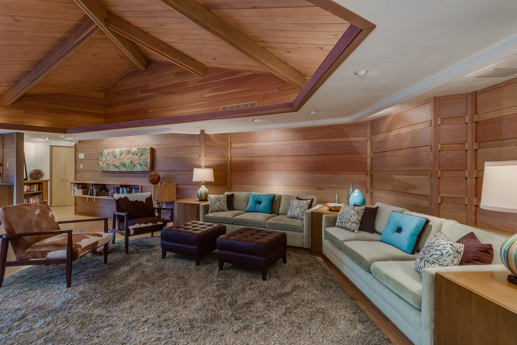Photographs of a home on Sumac Lane in Ladue, Missouri for Dielmann Sotheby's International Realty agent Ted Wight