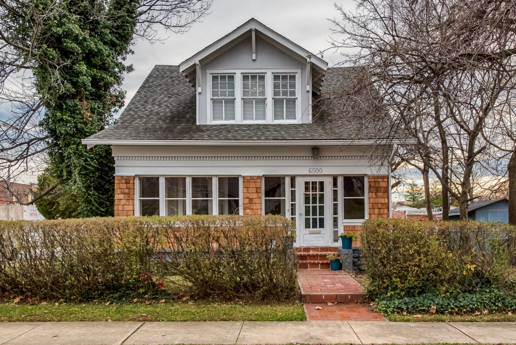 Photographs of a home on Chamberlain Avenue in University City, Missouri for Dielmann Sotheby's International Realty, agent Ted Wight