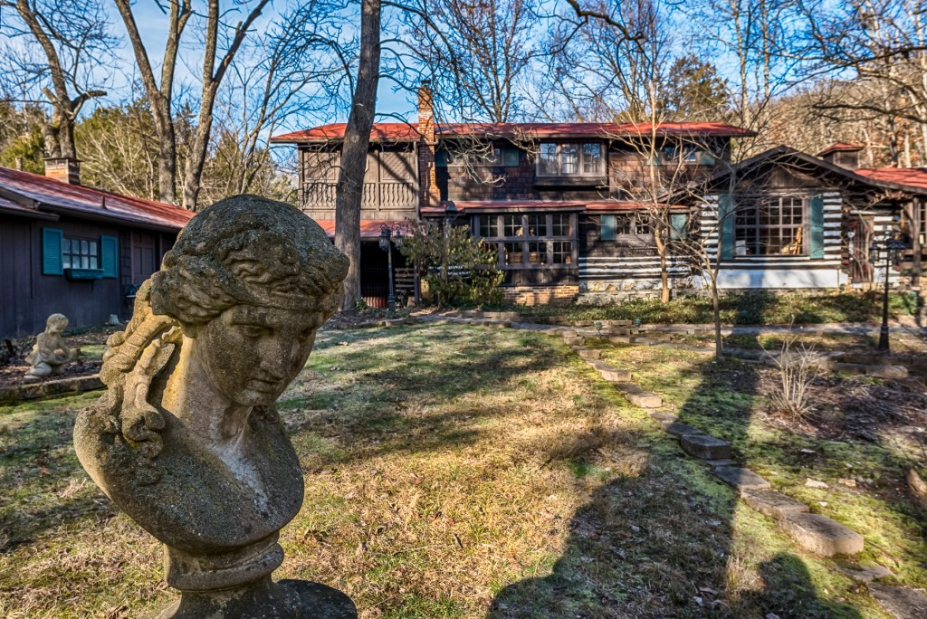 Photographs of a Prides Crossing in House Springs, Missouri for Dielmann Sotheby's International Realty agent Ted Wight
