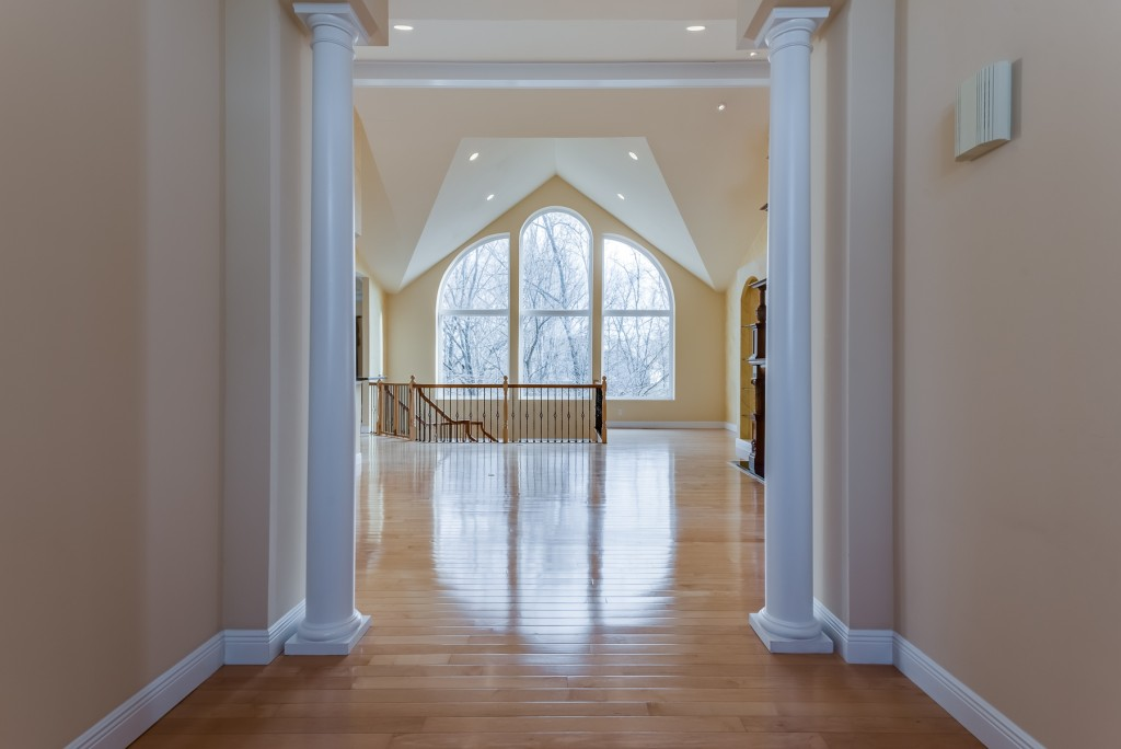 Photographs of a home on Wynncrest Manor Drive in Chesterfield, Missouri for Dielmann Sotheby's International Realty agent Ted Wight