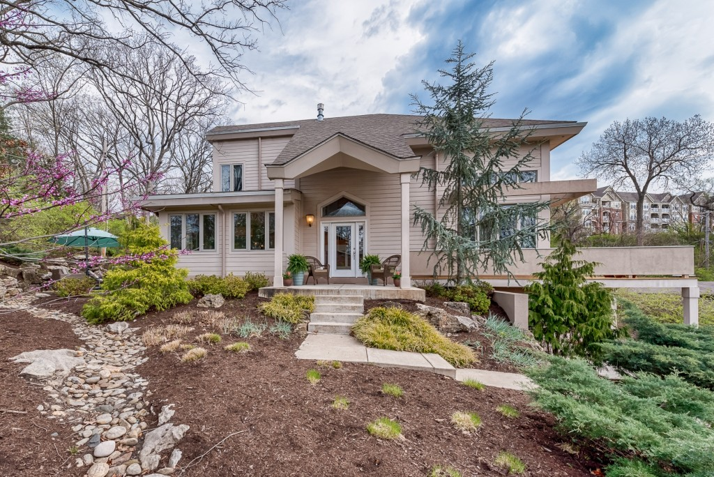 Photographs of a home on Dubois Court in Kirkwood, Missouri for Dielmann Sotheby's International Realty, agent Ted Wight