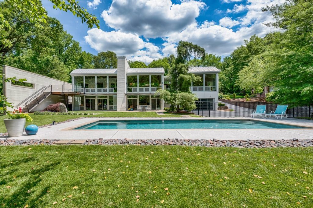 Photographs of a home on Winding Brook Lane in Ladue, Missouri for Dielmann Sotheby's International Realty agent Ted Wight