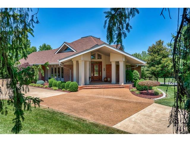 Photographs of a home on Conway Road in Creve Couer, Missouri for Dielmann Sotheby's International Realty agent Mara Butler