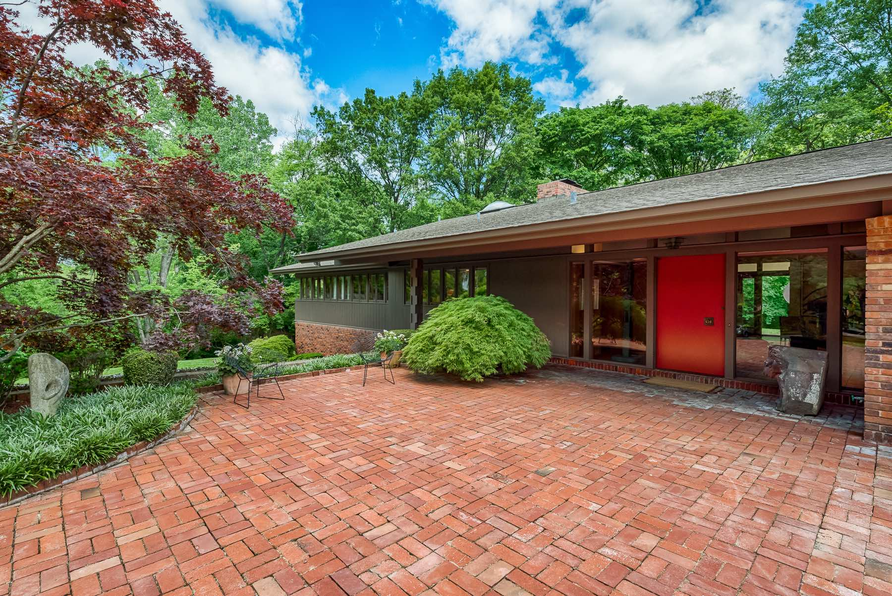 Photographs of a home on Winding Brook Lane Road in Ladue, Missouri for Dielmann Sotheby's International Realty agent Ted Wight