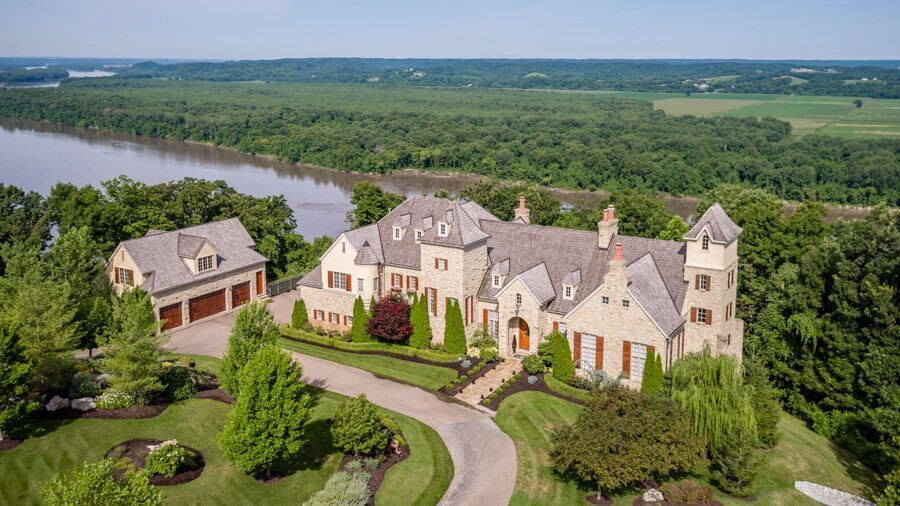 The St. Louis Luxury Housing Market is Seeing an Uptick in New Listings