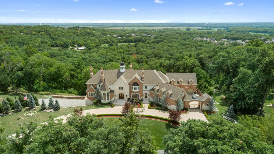 Regal Mansion with Sweeping Views | 1 Upper Whitmoor