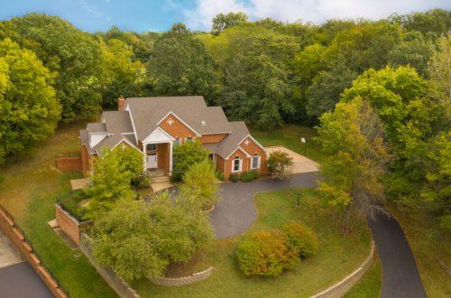 Spacious Executive Home   66 Meadowbrook Country Club Estates