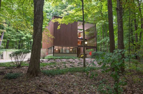 Award-Winning Michigan 'Cube' Home Available for First Time