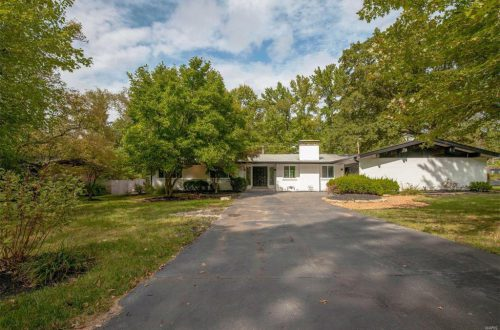 Fully Updated Creve Coeur Ranch | 10311 North Sunswept Drive
