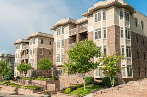 Updated Condo in Claymont Place Open Sunday 7/26 | 520 North and South #203