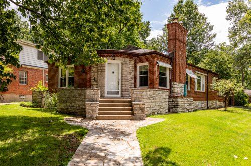 Charming St. Louis Hills Home   6772 Devonshire Avenue