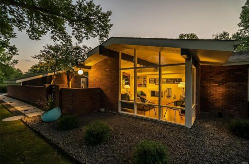 Updated and Sparkling Mid-Century Modern | 20 Sunswept Drive